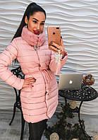 Модное женское пальто плащевка с мехом и брошью голубое, розовое и черное тренд 2017 года