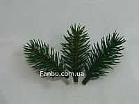 Ветка ели искусственная( пластик)зеленая, 8 см