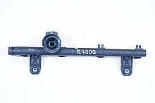 Топливная рампа Рено Кенго (1.4L). 7700273702. Б.У