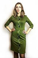 Оливковое платье-футляр с клетчатой вставкой П193