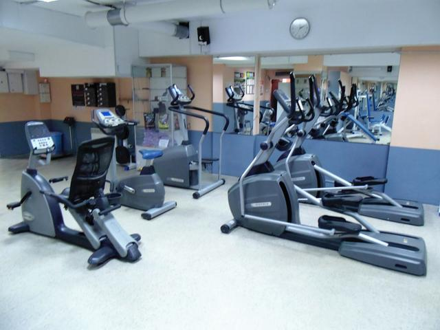 Кардио зона курсов обучения инструкторов тренажерного зала в школе Олимпия