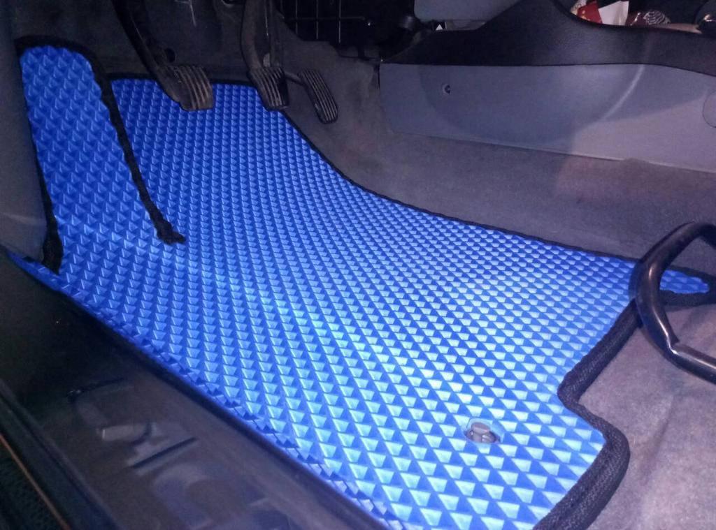 Автомобильные коврики EVA в салоне Chevrolet Lacetti. Синий цвет