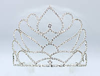 Корона на металлической основе серебристого цвета