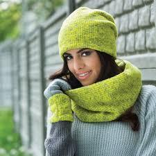 Женские головные уборы: шапки, береты, комплекты
