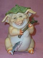 Свинья рыбак статуэтка фигурка декоративная 15см высота