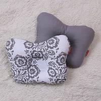 """Детская ортопедическая подушка для новорожденных """"вензеля"""" Brilliant Baby"""