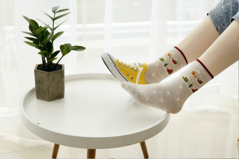 Носочки с новогодним рисунком для подростков