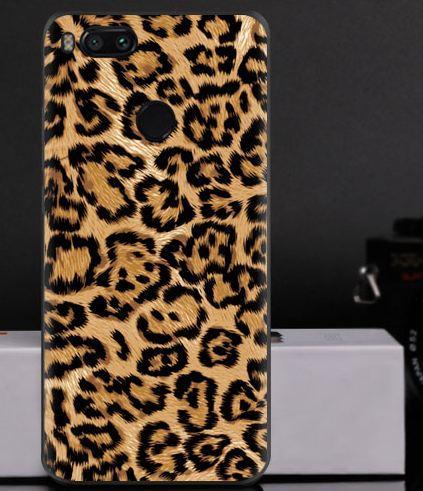 Любительское фото с телефона в леопардовом костюме дрочке