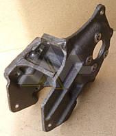 Кронштейн передней подвески задний (левый /правый)