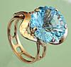 Золотий перстень  з кварцем