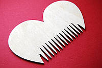 """Деревянный гребешок для бороды и усов """"Сердце"""" ручной работы"""