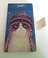 Яркий универсальный чехол книжка рисунок Кот в шапке для телефонов с диагональю  4.7 - 5.0 дюйма