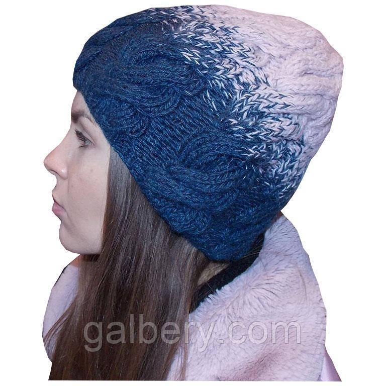Жіноча в'язана шапка в стилі Лало, з градієнтом, об'ємної великої в'язки косами.