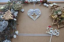 Новорічна прикраса серце з бантиком