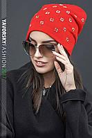 Красная женская шапочка Лилия