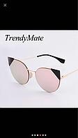 Солнцезащитные женские очки с темными уголками розовые
