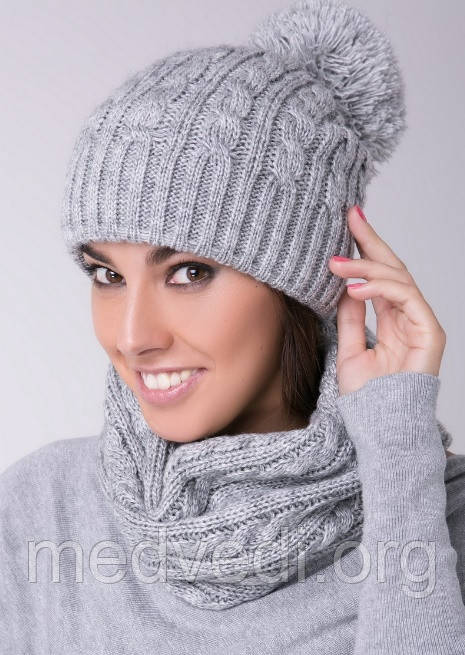 Снуд-хомут светло-серый с косами, вязанный, шарф женский