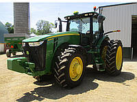 Трактор JOHN DEERE 8235R 2012 года