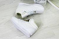 Кроссовки зимние женские высокие Reebok белые гладкие