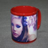 Печать фото на чашках керамических красных