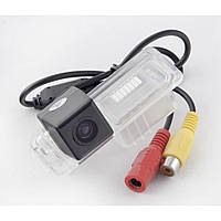 Камера заднего вида iDial CCD-105 Skoda SuperB
