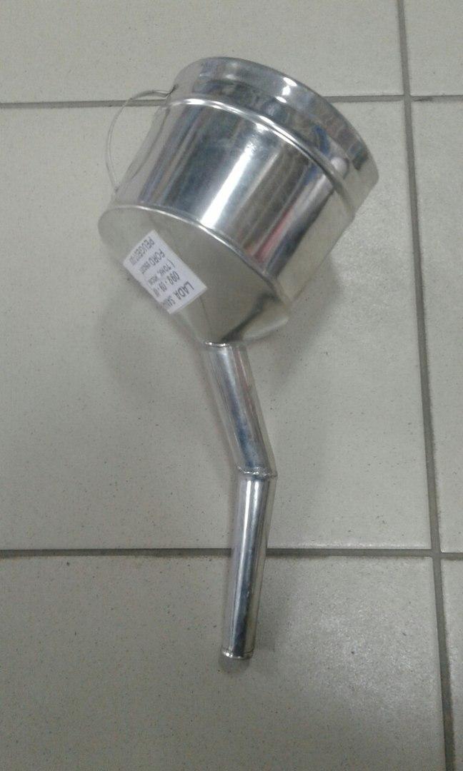 Лейка автомобильная бензин легковые с клапаном Б-3 ВАЗ 2108 2109 21099 2113 2114 2115 иномарки