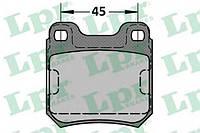 Тормозные колодки дисковые LPR 05P334 на OPEL VECTRA B Наклонная задняя часть (38_)
