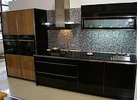 Кухни со стеклянными фасадами на заказ в Киеве, кухонная мебель под заказ недорого
