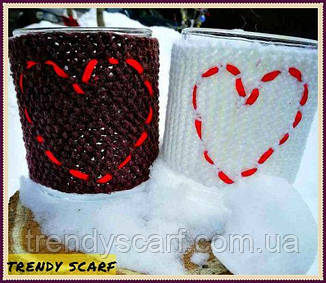 Чашка в одежде. Чехол для чашки. Коричневый, белый, красный, сердце, вязь