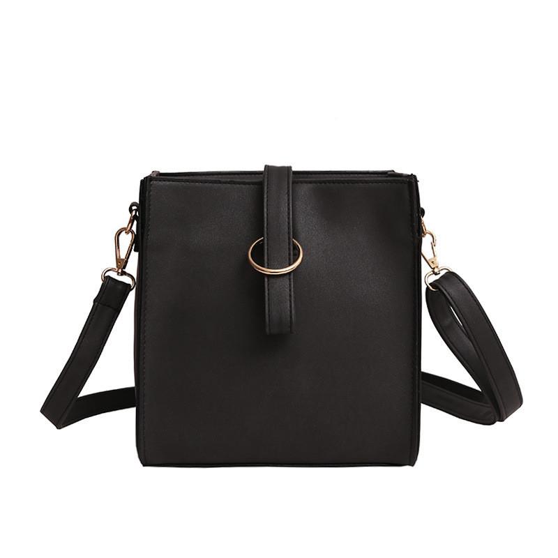 f6f0c6e2eb14 Женская сумочка через плече черная матовая купить по выгодной цене в ...
