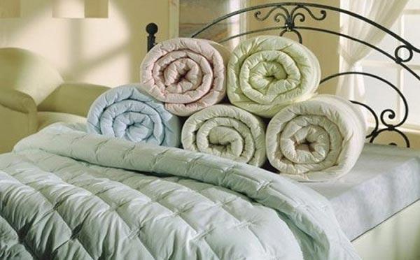 Летнее одеяло: чем лучше укрываться