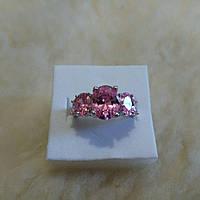 Женское кольцо с розовым топазом