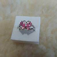 Женское кольцо с розовым топазом с бабочкой