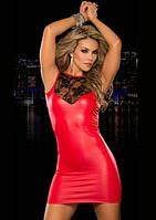 Красное кожаное платье с кружевной спинкой