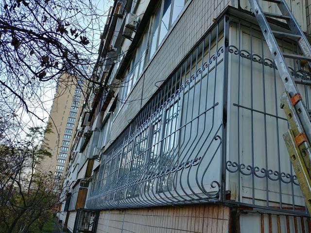 Решётки на окна объемные «Луковица» -1
