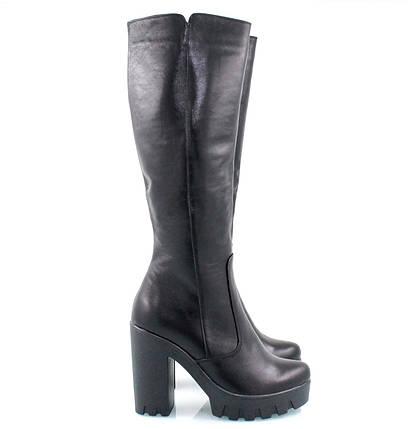 Кожаные сапоги черного цвета на высоком каблуке с протекторной подошвой оптом, фото 2