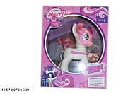 Музыкальная пони My Little Pony  8827свет, звук в коробке.