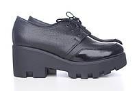Кожаные черные туфли на платформе 3216-09