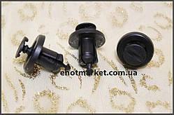 Крепление бампера и решётки радиатора Renault. ОЕМ: 0151500QAB, 7703072360