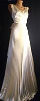 Вечернее платье гофре в греческом стиле молочный стрейч-атлас
