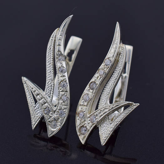 """Серебряные серьги """"Пламя"""", размер 25*12 мм, вставка белые фианиты, вес 3.6 г"""