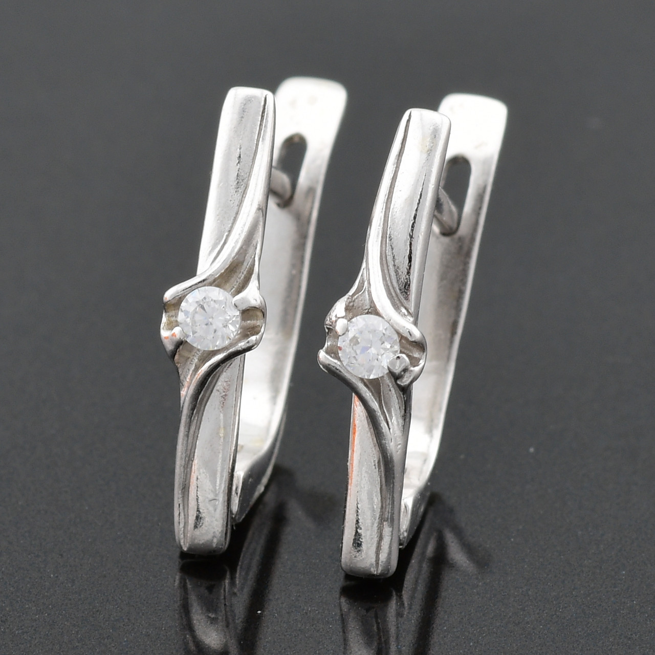 """Серебряные серьги """"Бьюти"""", размер 17*4 мм, вставка белые фианиты, вес 2.11 г"""