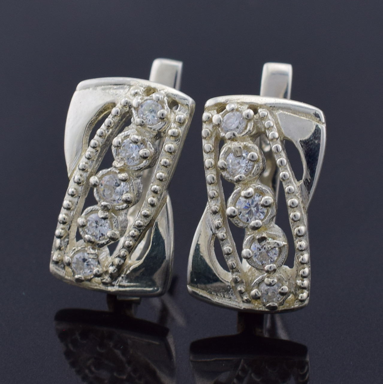 """Серебряные серьги """"Николь"""", размер 18*11 мм, вставка белые фианиты, вес 5.9 г"""