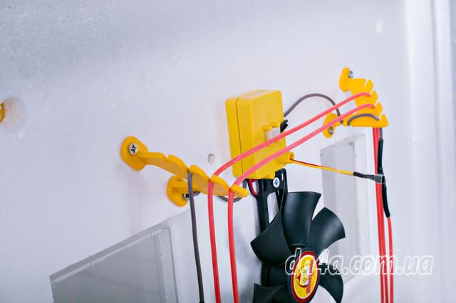 Інкубатор автоматичний Теплуша 63