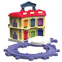 Игровой трек Chuggington Die-Cast Portable Double Decker Roundhouse ( депо- кейс Чаггинтон Дом стажеров)