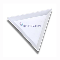 Треугольник для страз и других материалов для дизайна ногтей
