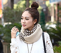 Стильный теплый женский шарф-хомут снуд с двойным типом вьязки бежевого с шоколадным цвета
