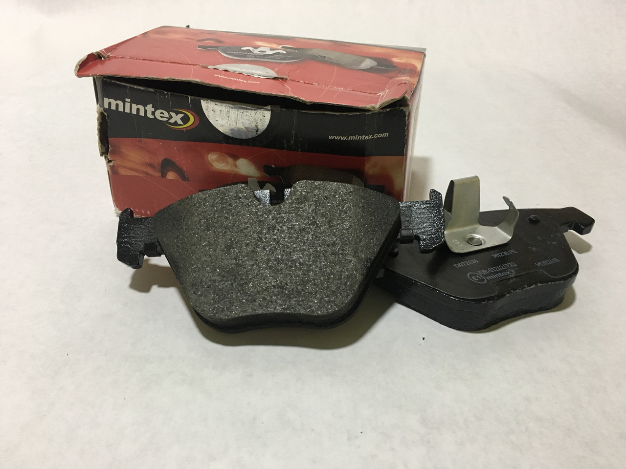 Тормозные колодки MINTEX MDB2418(BMW)