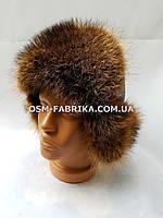 Стильная шапка для мужчин из меха енота