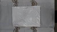 Скатерть белая с красивым белым кружевом, р-р 120х150 см., 245/290 (цена за 1 шт. + 45 гр.)